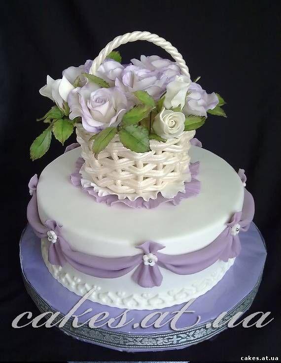 Торт с корзинкой из мастики